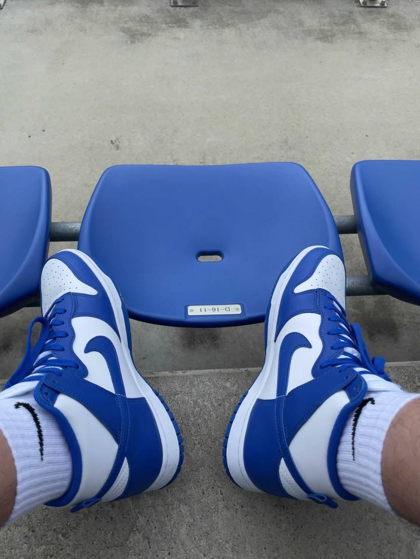 野球観戦に。ベンチの色と同色。かわいい。