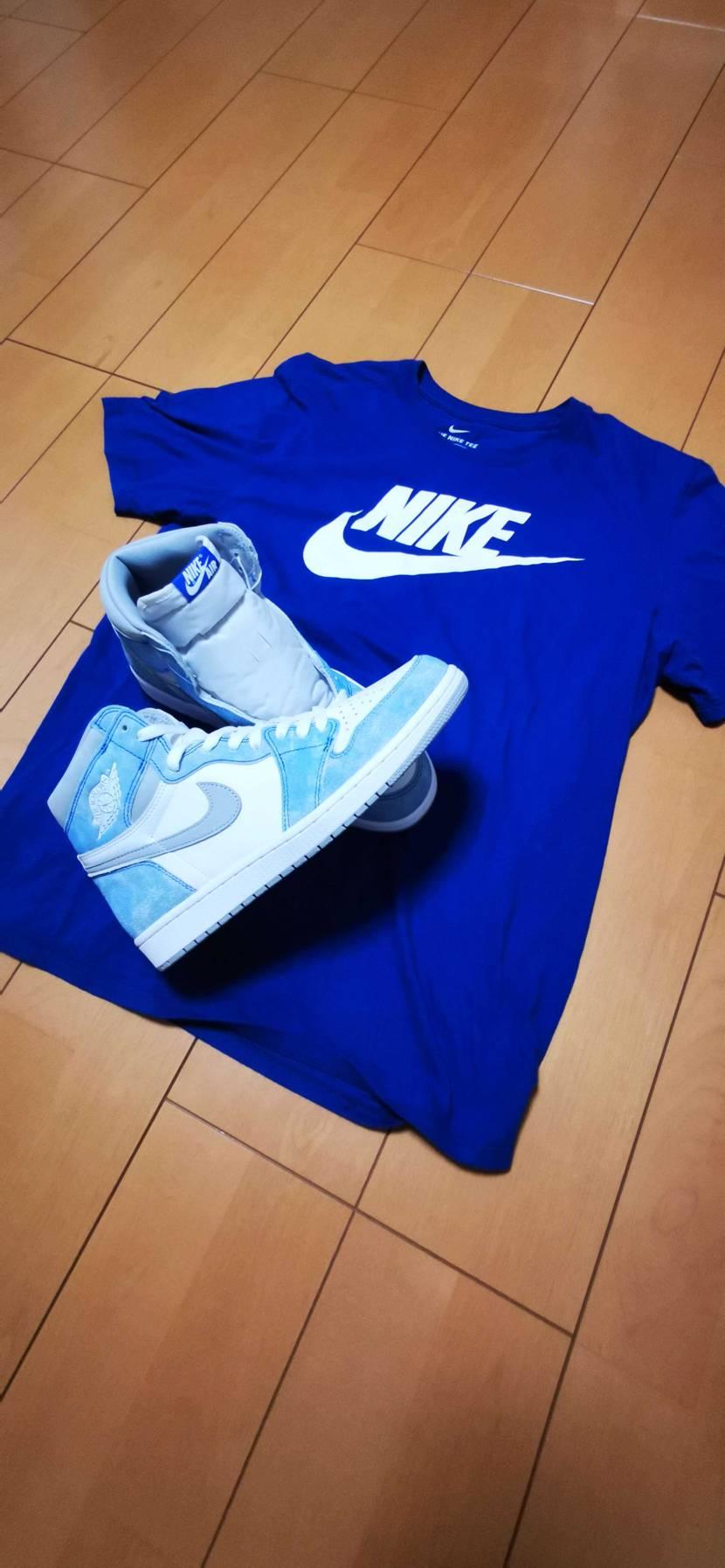 やっとGET❤️シュータンのナイキロゴ青白もいいね👍 青白ナイキTシャツと一緒に