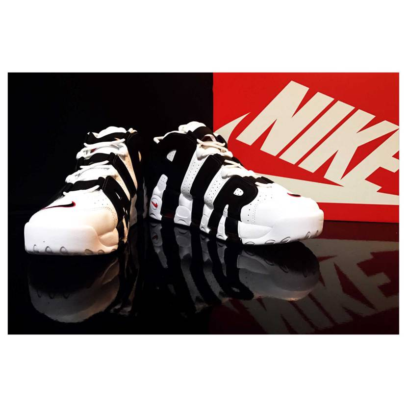 AIR MORE UPTEMPO WHITE/BLACK-UNIVERSITY