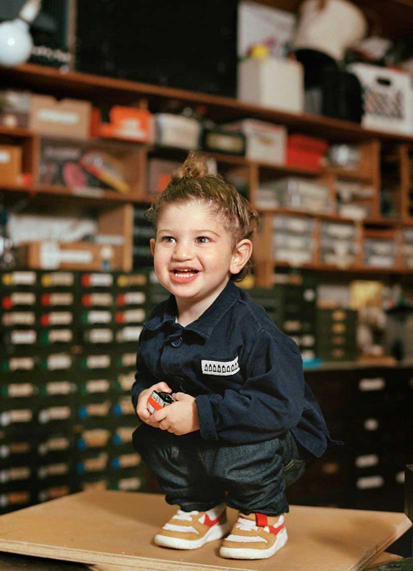一言言わして。。。  天使やん!  靴も子供もどっちも可愛い。