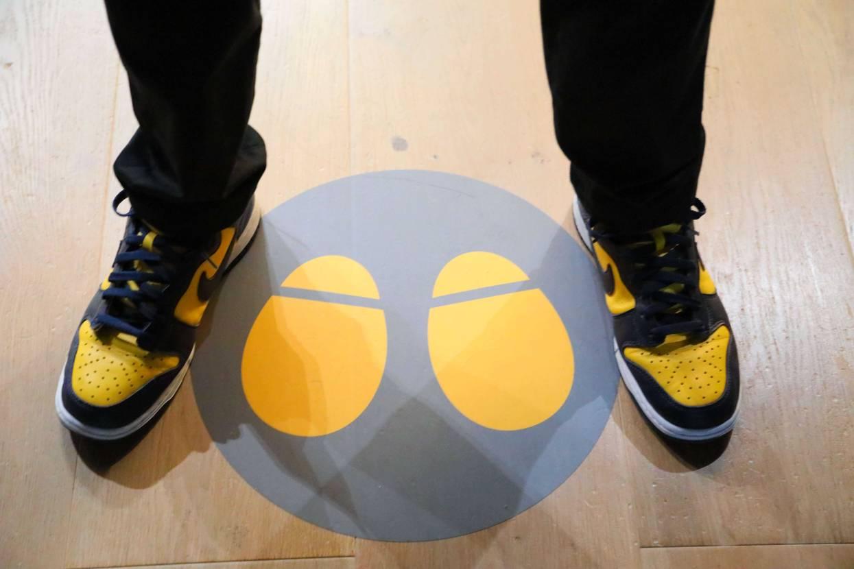 昨日六本木で開催してる、ミッキーマウス展に行ってきました! ミッキーの足?をイメ