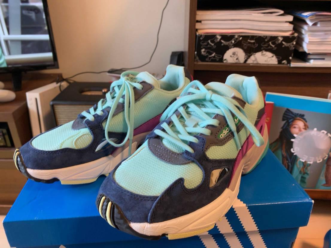 奥様の一足。 本日届きました! 意外と何にでも合う。  #adidas