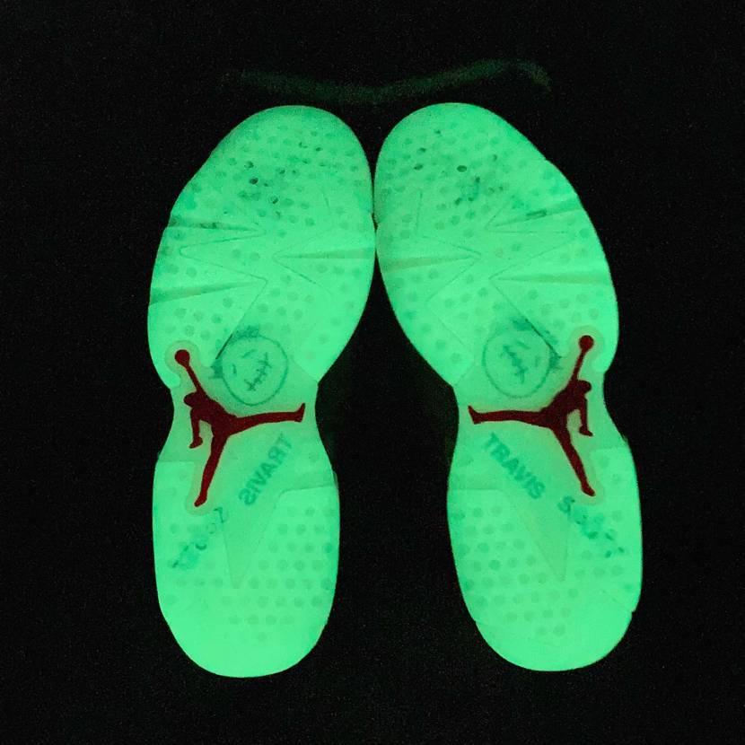 本当に靴なんか?ってくらい光る😂  履くのに気が引けます🥺  家届いてか