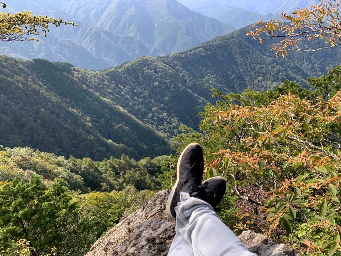 レイド履いて登山してるの俺ぐらいじゃなかろうか🤔  とりあえず登頂! 絶景