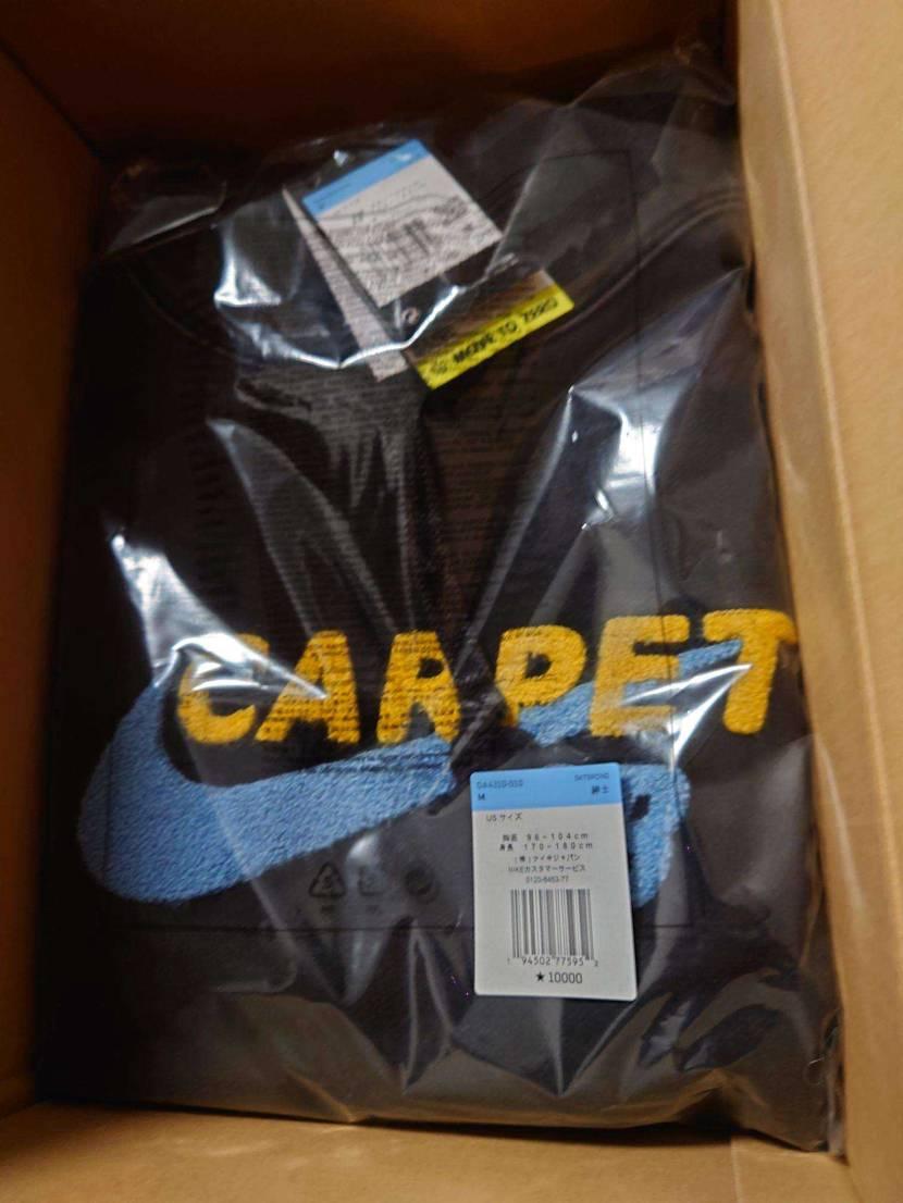 本日のNIKE.comのCARPETパーカー届きました🥳✨✨  文字がモコモコで