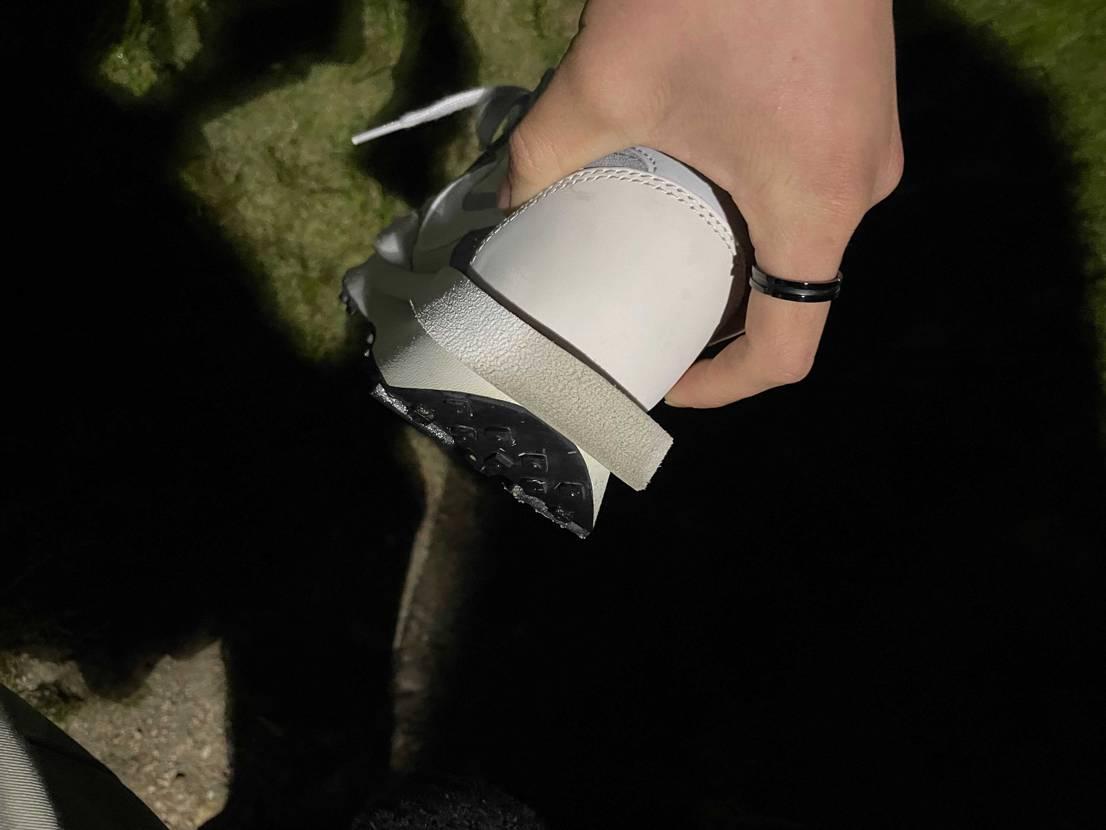 サカイワッフルの踵の部分の汚れってどうやったら落ちますかね?