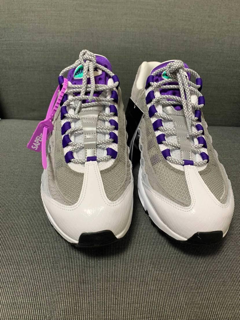 靴紐をかえてみた! かわいい。