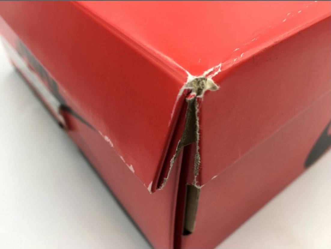 少ない小遣いを貯めやっと購入が出来た85だが、この箱の状態で連絡が… 余裕の取