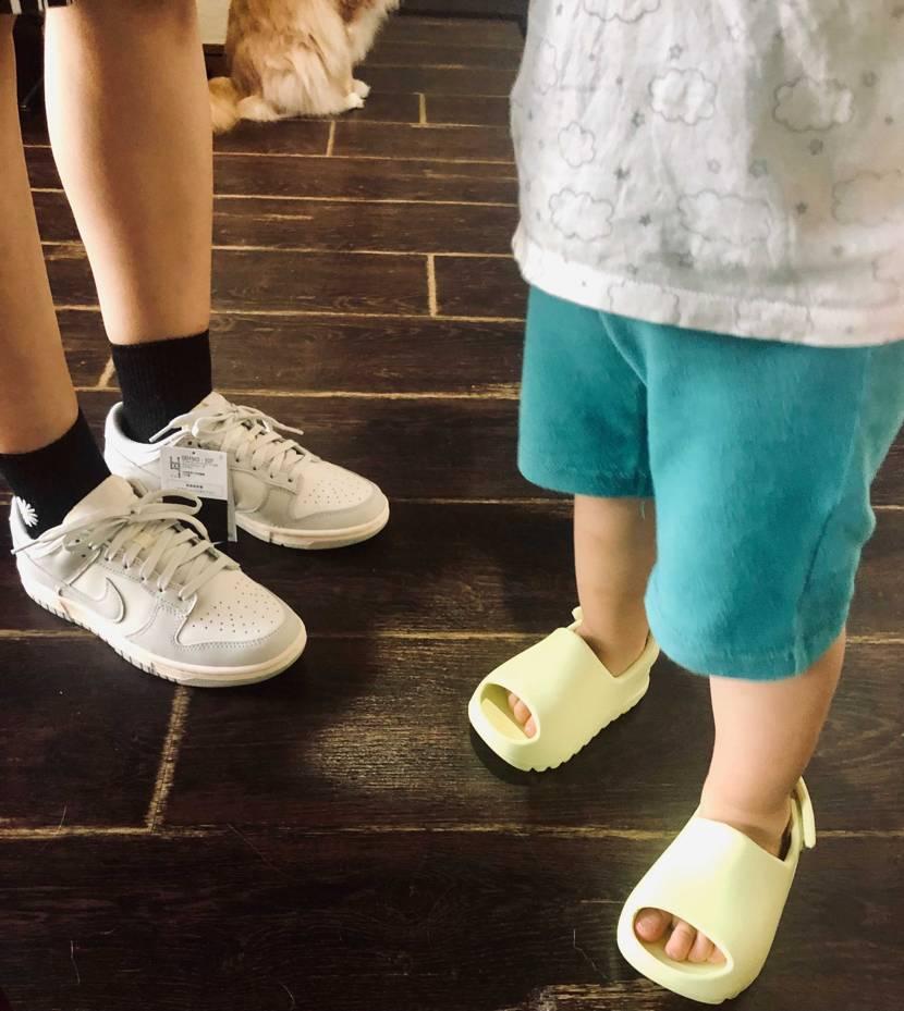 毎日のように靴が届くので、息子と妻もスニーカー大好きになりました👟