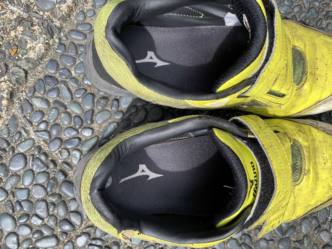 何故NIKEのインソールのロゴはすぐ消えるのか、、、 ミズノの安全靴、仕事で2