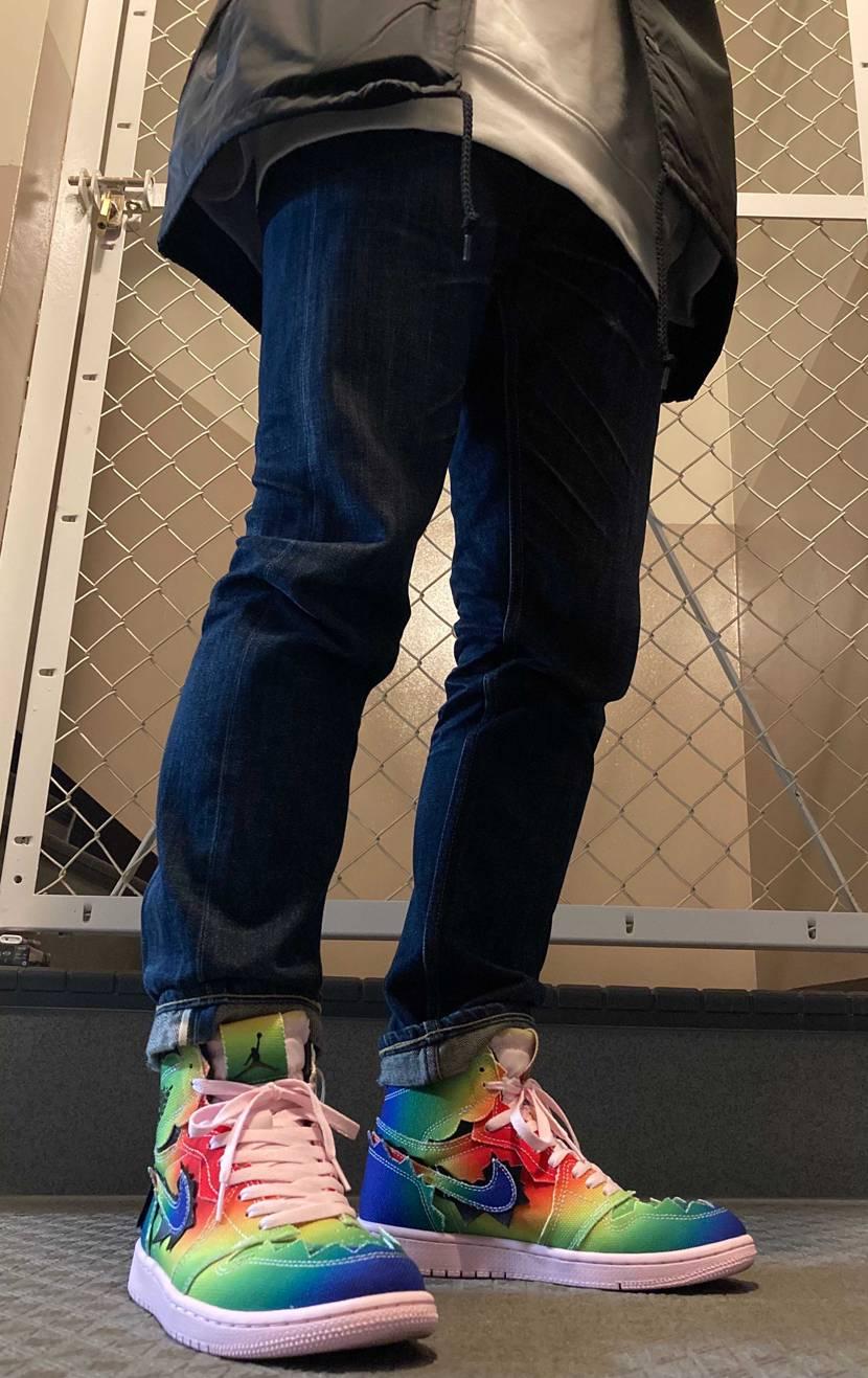 届いてたので早速履いてみた! 紐はピンクにしてみたけどいい感じだと思うな!