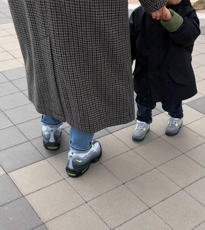 「僕と同じ靴!」と言われます。このAJ4欲しいんだけどなぁ。