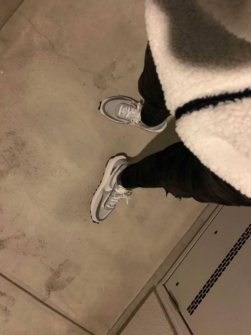 スースーして寒いけど履きたいスニーカーを履く😎✨