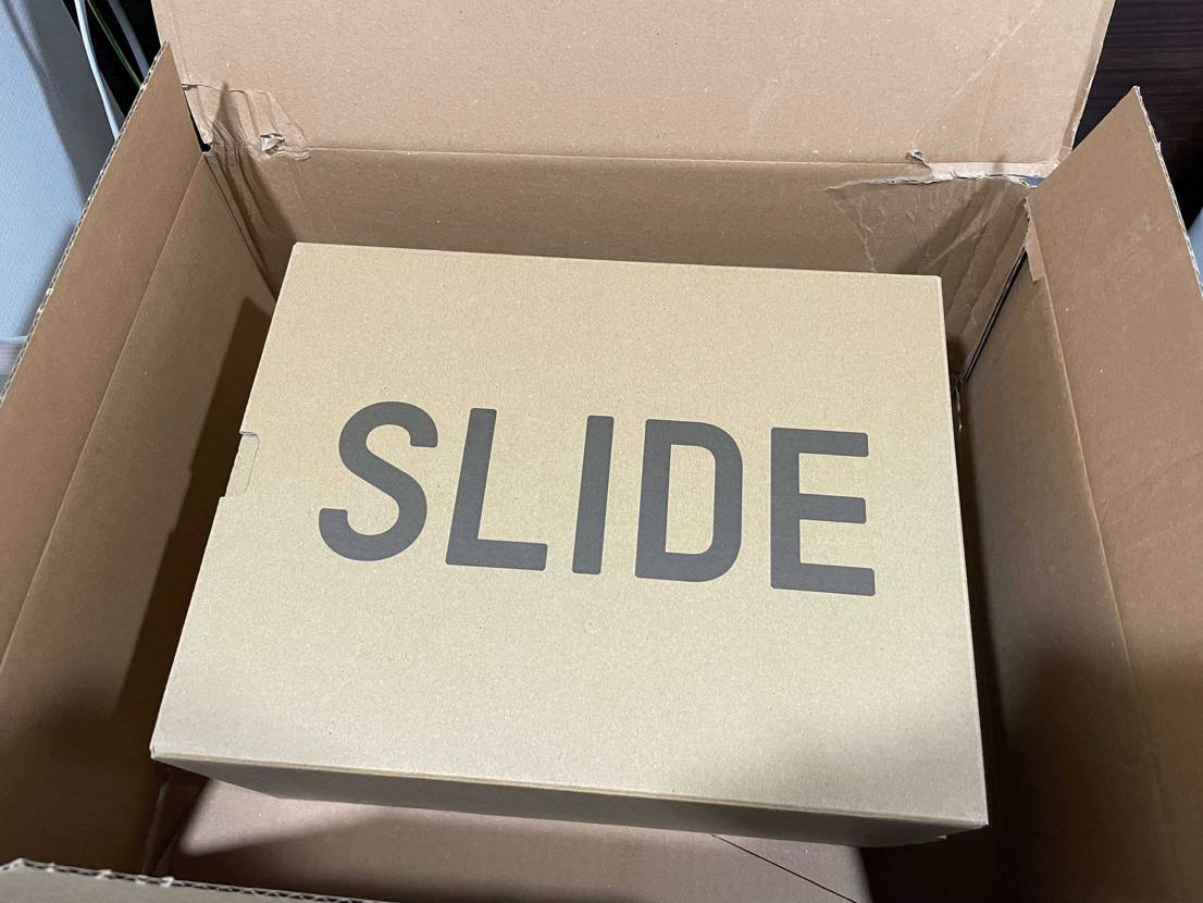 26日SNSでヨーロッパ発送のYEEZY SLIDEを買いましたが、もう届きまし