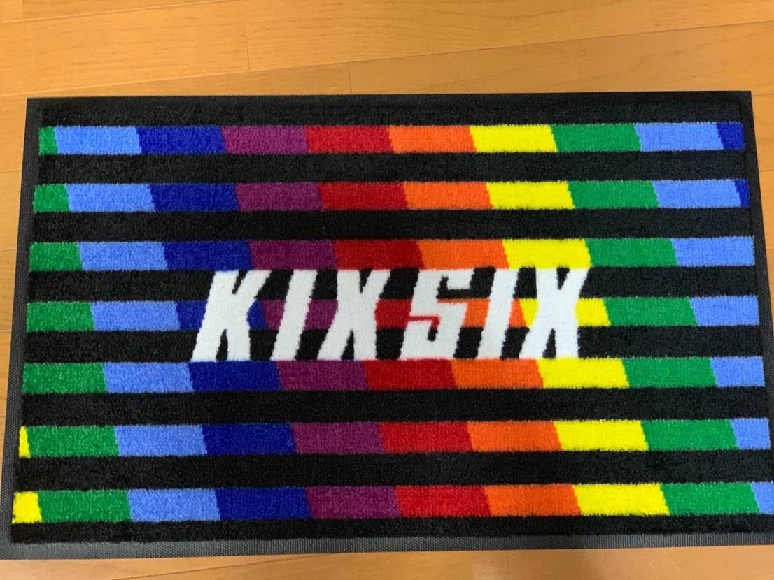 KIXSIXのラグマットが届きました✨ シューレースはまだ先みたいです💦