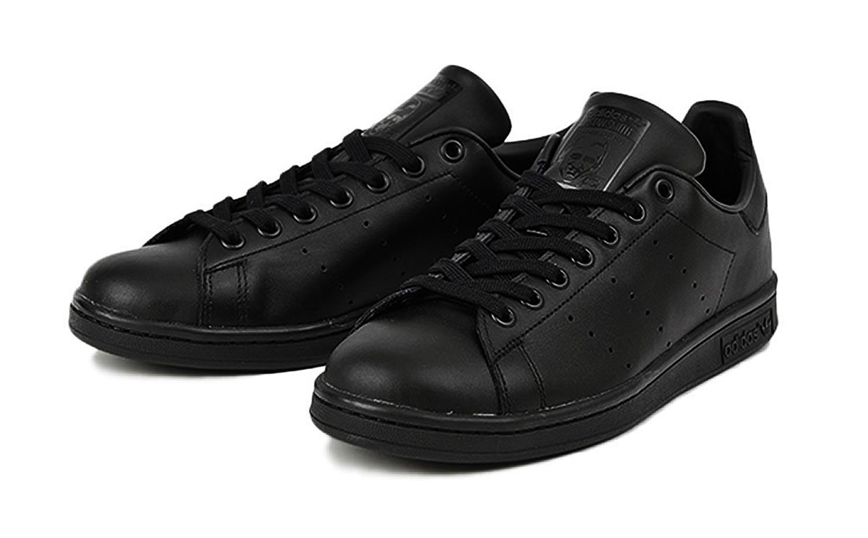 アディダス スタンスミス ブラック/ブラック(ADIDAS STAN SMITH BLACK/BLACK)