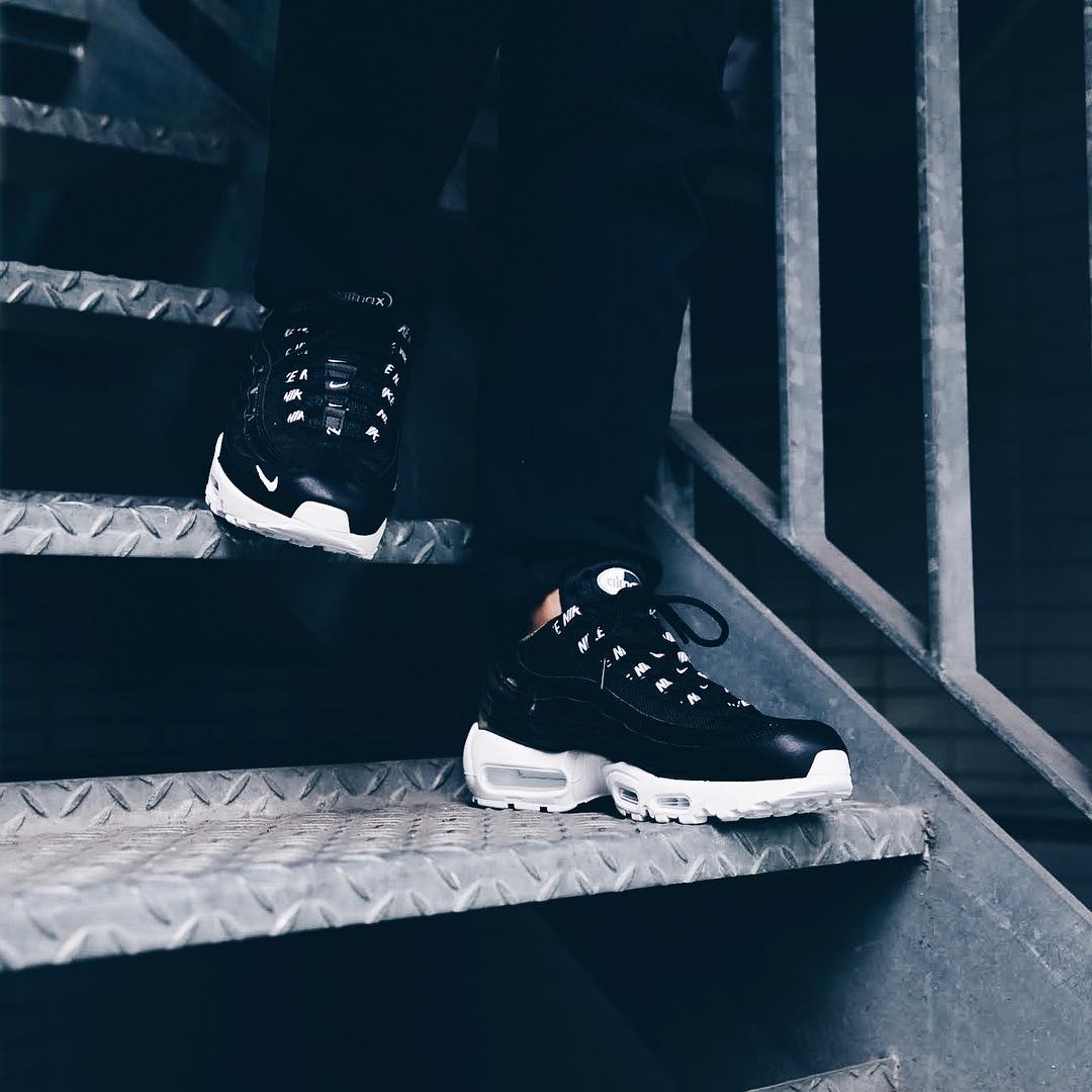 ナイキ エアマックス95 PRM ブラック