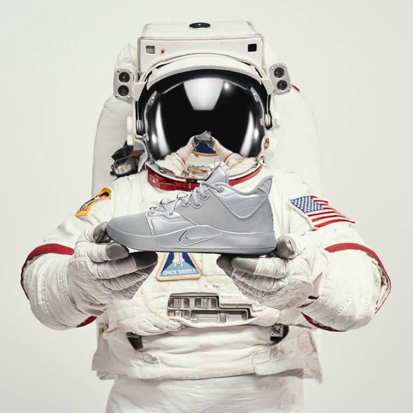 ナイキ ポールジョージ3 NASA 50TH【7/20発売】